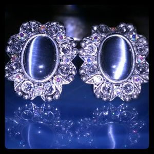 Vintage STUNNING Cat's Eye w AB Crystals Clip- On'